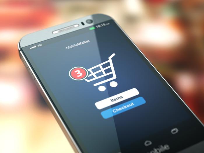 Pourquoi l'avenir de votre boutique en ligne passe par les réseaux sociaux et le mobile