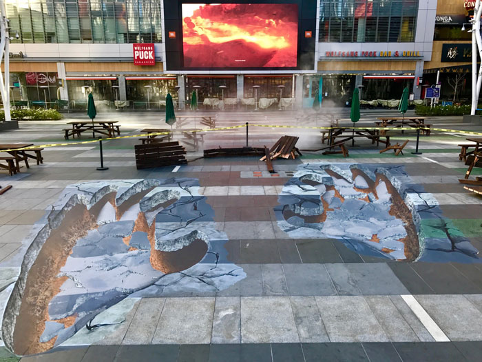 Campagne de street marketing pour le film Kong Skull Island : Microsoft Square