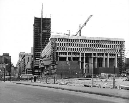 Hôtel de ville de Boston lors de sa construction en 1960