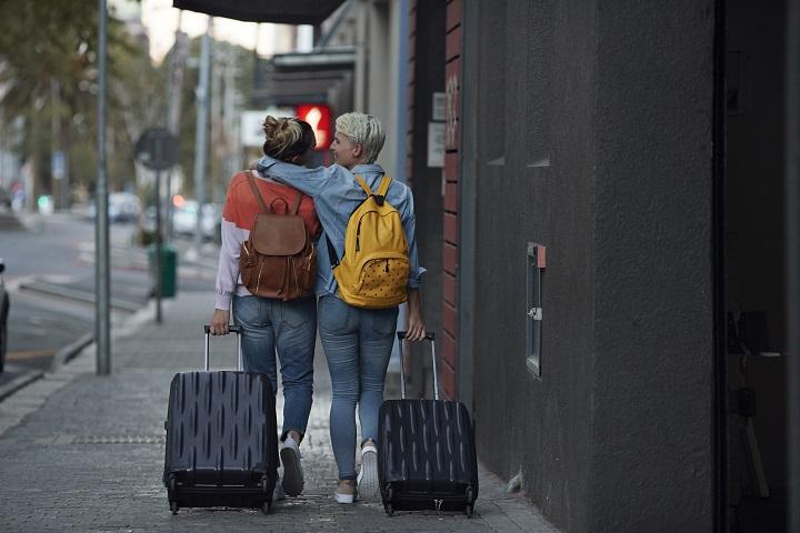 Voyage & LGBTQ+ : une tendance visuelle by Getty Images
